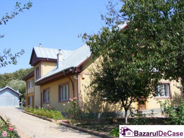 Vila de vanzare Balotesti Ilfov Strada Broscari - 1/12