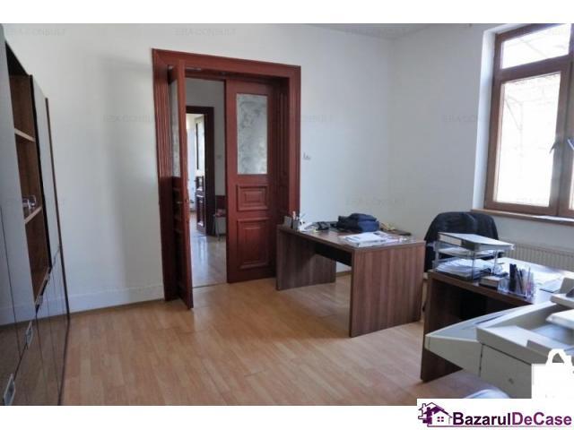 Singur curte - central - zona Hotel Marriot - 2/3