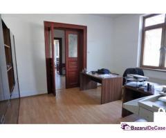 Singur curte - central - zona Hotel Marriot