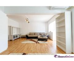 De închiriat: Apartament luminos cu 2 camere.