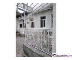 Casa de vanzare situata central - Lujoj