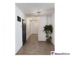 Apartament 3 camere 82 mp, Parcare, zona semicentral - Imagine 4/9