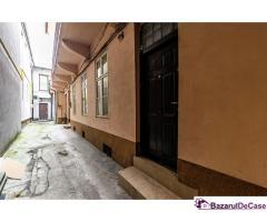 Spațiu de birouri situat pe strada N. Bălcescu.
