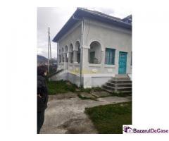 Casa solida | arhitectura clasica | 3 camere | Daesti |