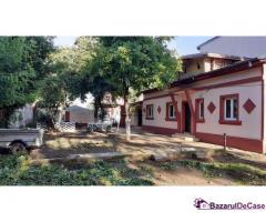 Casa 4 camere in Zona Salaj