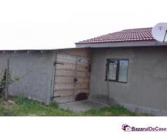 Casa si gradina de vanzare