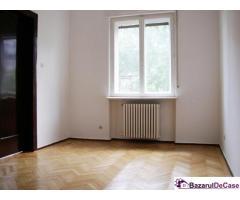 Particular Inchiriez etaj de vila 196 mp, 5 camere lux, birou, locuinta