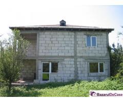 Proprietar vand vila la rosu Gruiu Sangov