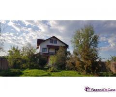 Vând vilă Pietroșani, jud Prahova, P+1+M, 11.000 mp teren