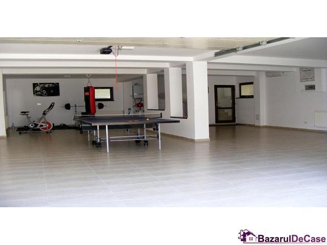 Casa-vila de vanzare Strada Verii Prelungirea Ghencea - 12/12