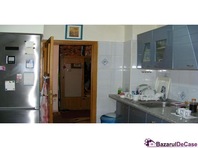 Apartament 2 camere  de vanzare Aviatiei Strada Avionului - 5/12