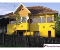 Pret 11.900 euro casa-vila de vanzare direct proprietar
