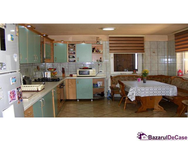 Casa-vila de vanzare Bulevardul Eroilor Voluntari Ilfov - 6/12