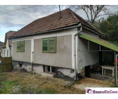 Vând casa la Slimnic Judetul Sibiu