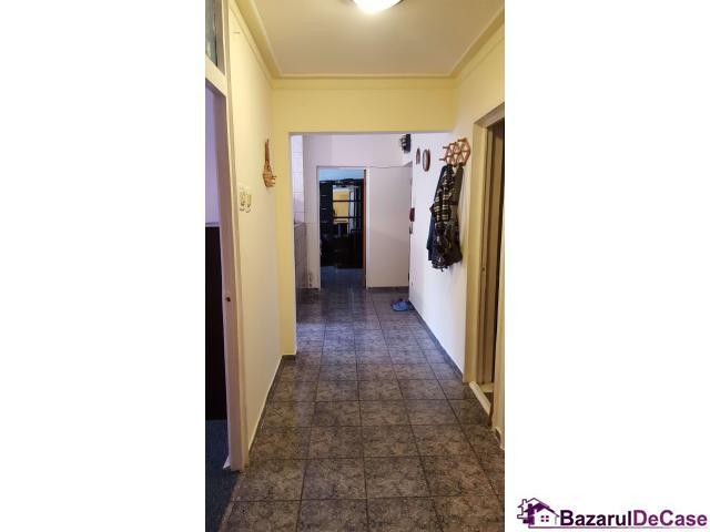 Inchiriere apartament 3 camere metrou Brancoveanu - 2/12