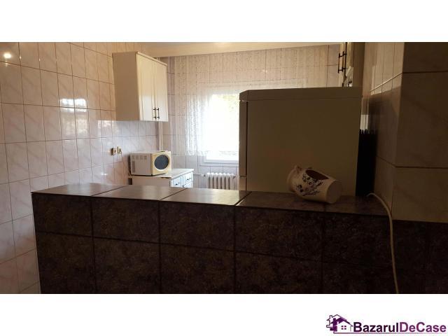 Inchiriere apartament 3 camere metrou Brancoveanu - 12/12