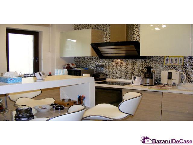 Apartament 4 camere penthouse Strada Toamnei Bucuresti - 4/12