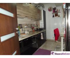 Schimb apartament cu 3 camere. Metrou Leonida