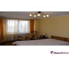 Apartament 3 camere de vanzare Strada Iancu Jianu Rahova