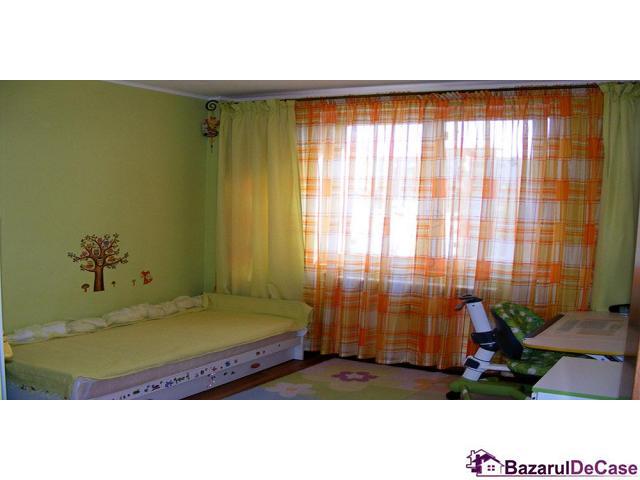 Apartament 3 camere de vanzare Strada Iancu Jianu Rahova - 5/10