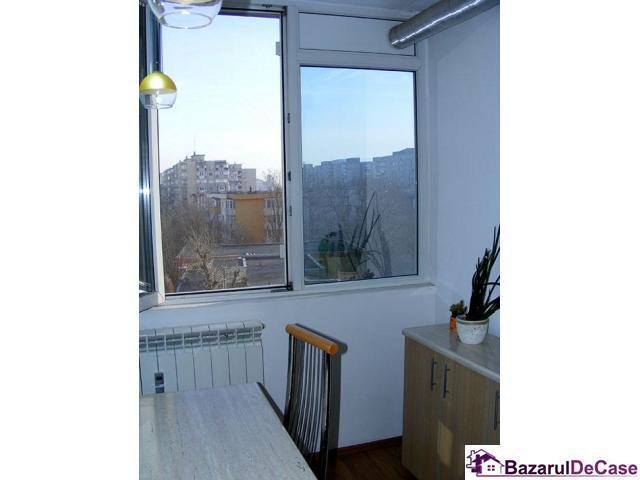 Apartament 3 camere de vanzare Strada Iancu Jianu Rahova - 8/10