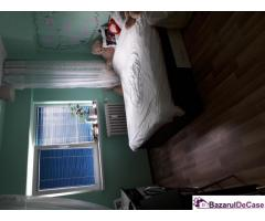 Vând apartament 4 camere