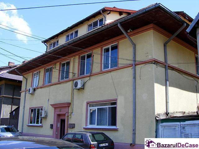 Inchiriere apartament 3 camere zona Crangasi Giulesti - 12/12