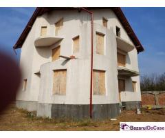 Casa la rosu langa pădurea Pasarea - Imagine 4/9