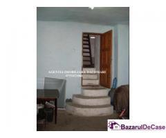 De vanzare Casa 4 camere 90 Mp