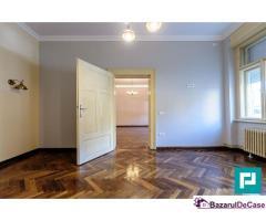 Apartament pretabil pentru firmă.